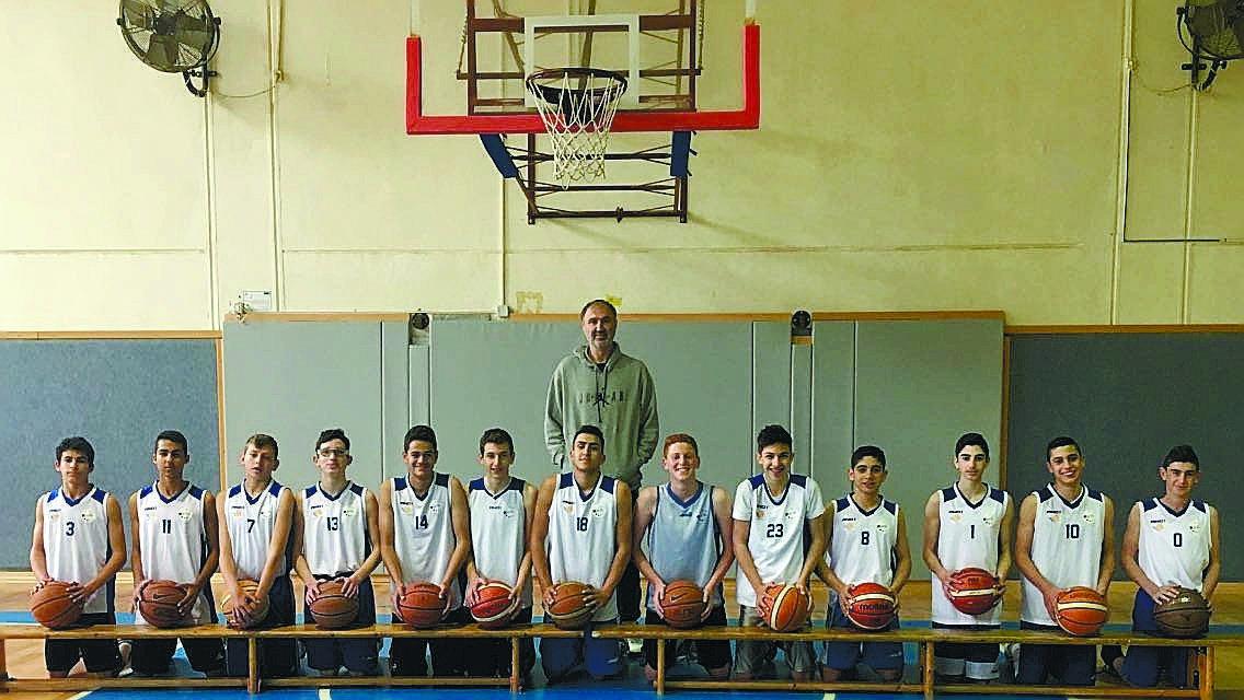 קבוצת נערים ב' בכדורסל של בני הרצליה עוז צילום:באדיבות קבוצת נערים ב' של בני הרצליה עוז