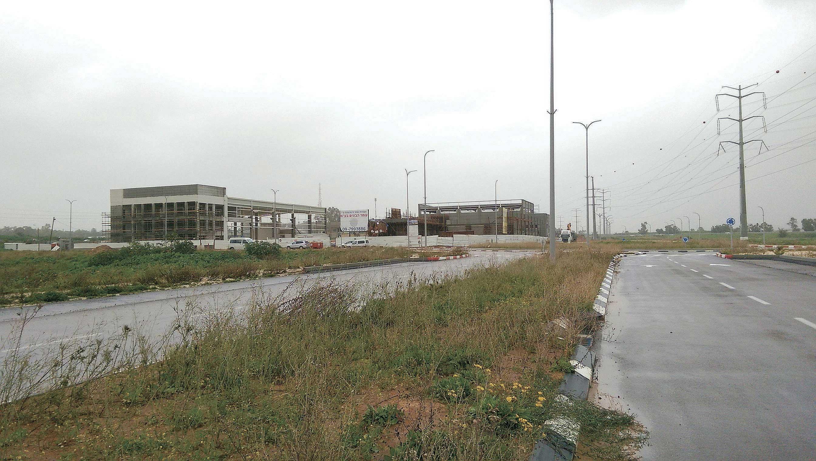אזור התעשייה 50. צילום עזרא לוי