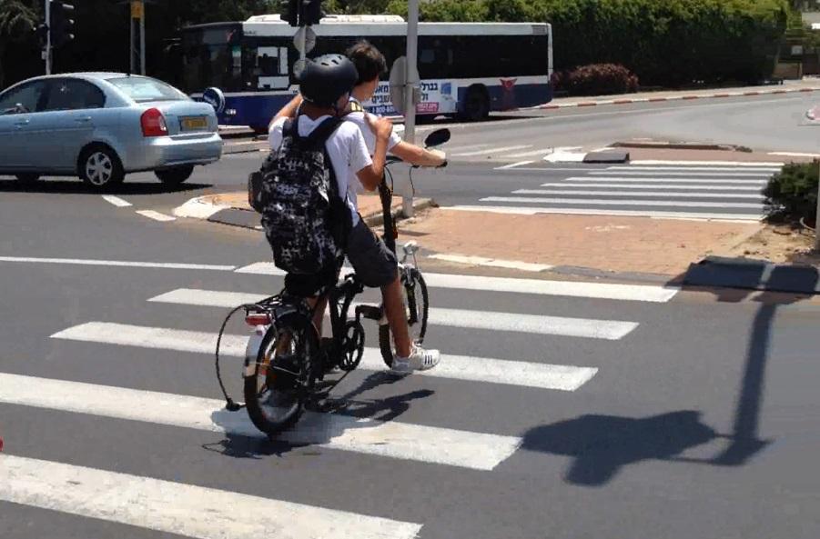 אופניים חשמליים. צילום עמותת אור ירוק