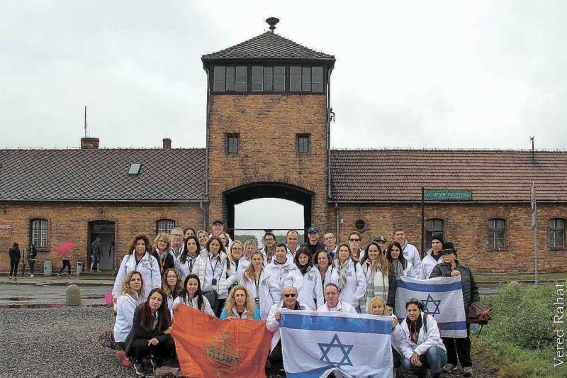 הכניסה למחנה אושוויץ-בירקנאו. צילום ורד רהט