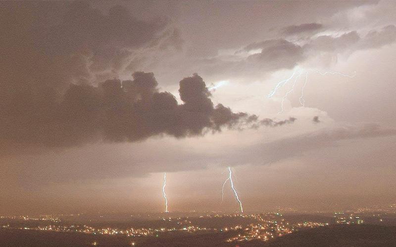 הרצליה בסופה - מאזור השומרון צילום יחזקאל בלומשטיין
