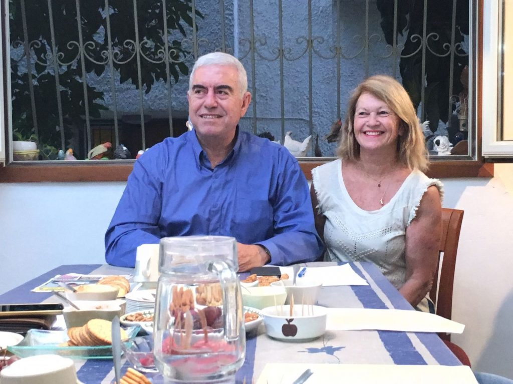 יוסי סדבון ורעייתו, הערב במסיבת העיתונאים. צילום מירב זיגלמן