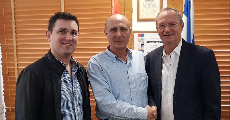מימין לשמאל: זאב בילסקי, שחר איילון ואיתן גינזבורג