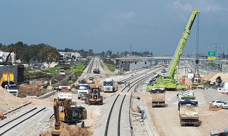העבודות על מסילת הרכבת באזור הרצליה. צילום: רכבת ישראל