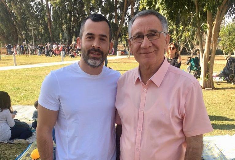יהודה עמר עם ראש עיריית הרצליה משה פדלון. צילום פרטי