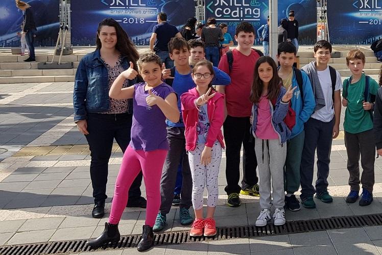 נבחרת בית הספר אלון מהרצליה בתחרות הגמר של אליפות הסייבר