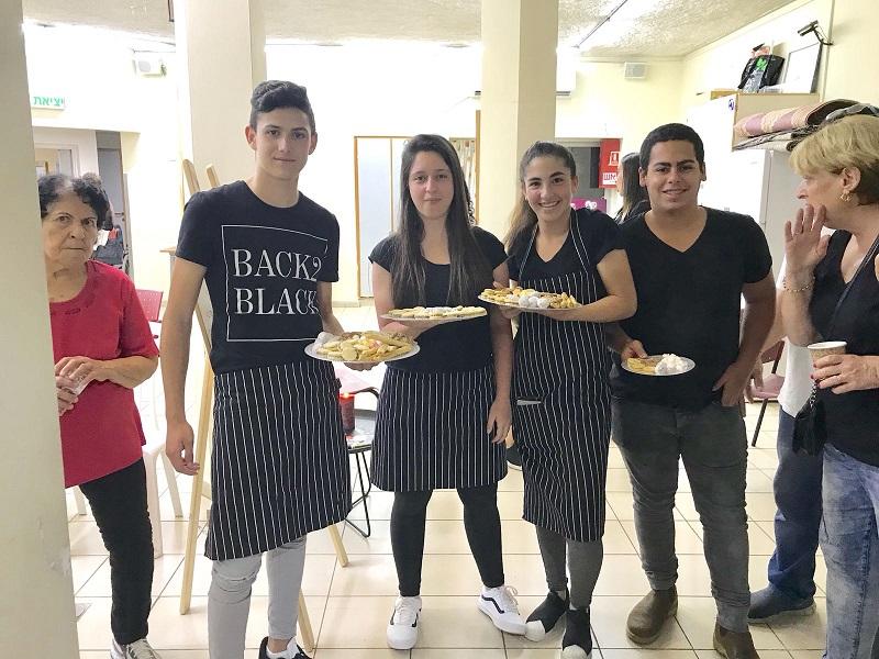 """בית הקפה במתנ""""ס נווה ישראל אמירים. צילום: אסף אמר"""