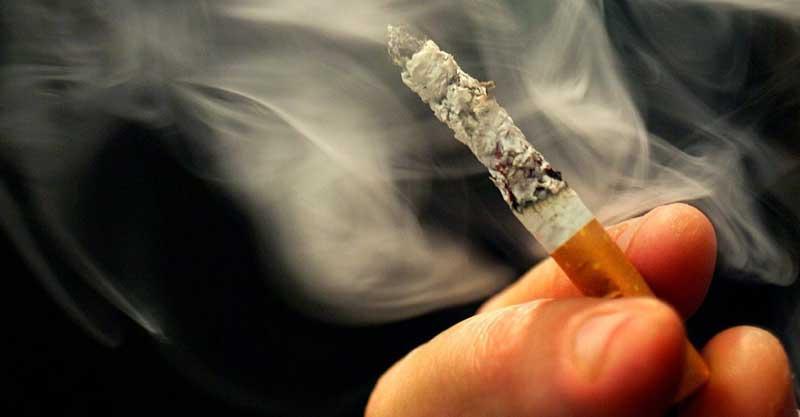 סיגריה צילום רויטרס