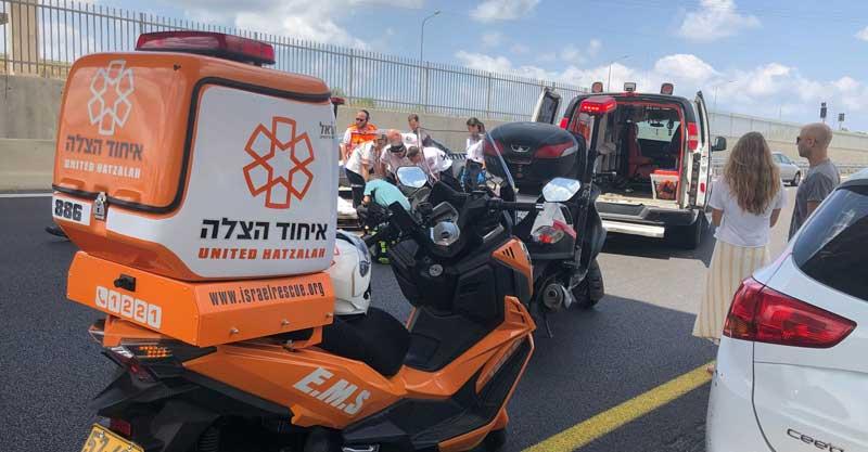 אדם נפל מגשר במחלף ירושלים כביש 531. צילום: איחוד הצלה