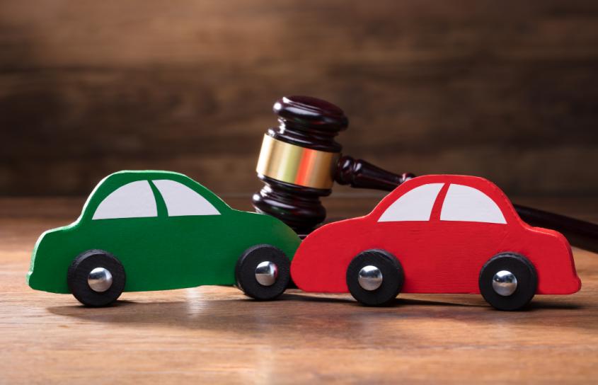עורכי דין לתעבורה בהרצליה (מאגר תמונות: Shutterstock)
