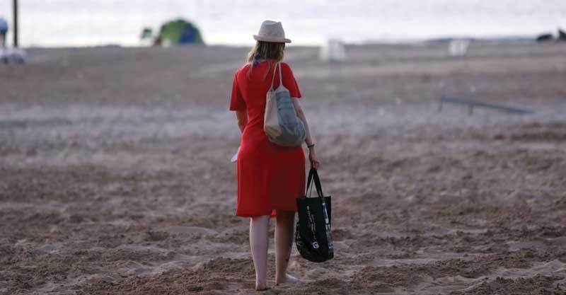 חוף הרצליה. צילום עזרא לוי
