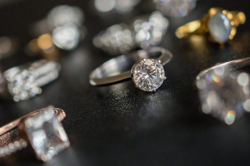אילוסטרציה תכשיטים (מאגר Shutterstock)
