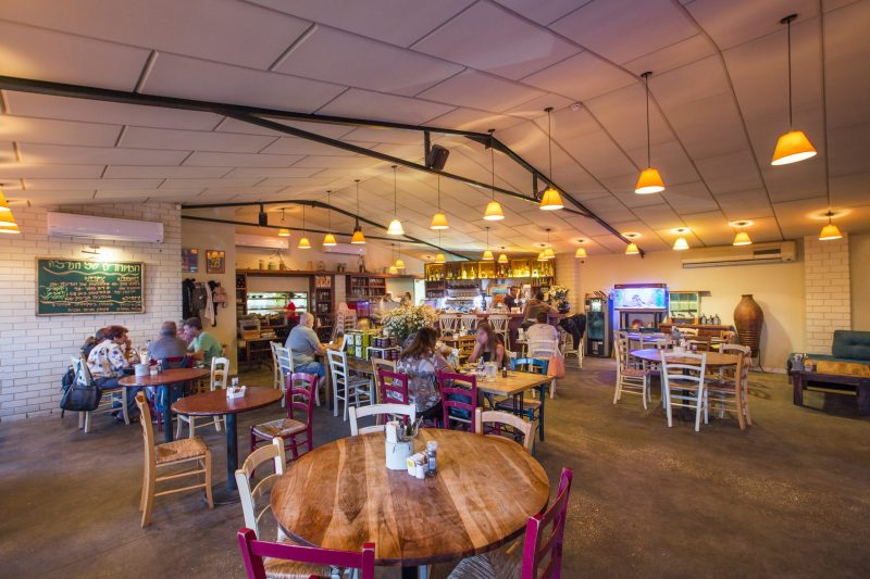 ארוחת בוקר בחנדל'ה, מושב גבעת חן. קרדיט צילום: Rest