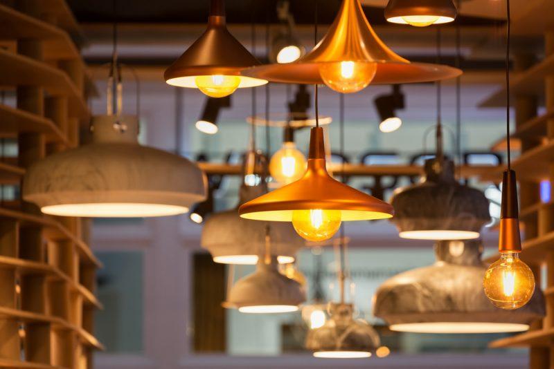 חנויות תאורה בשרון. תמונה ממאגר Shutterstock