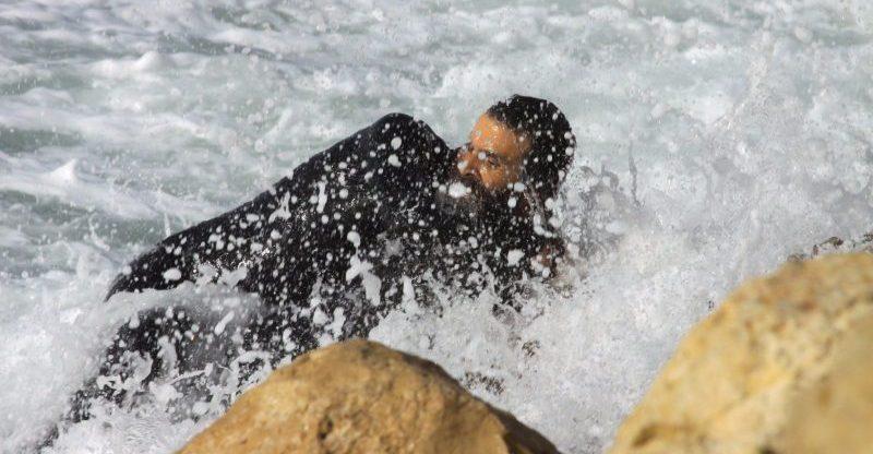 אבן חן אברהם אשאול שוחה אל הגולש. צילום ניסים אטון