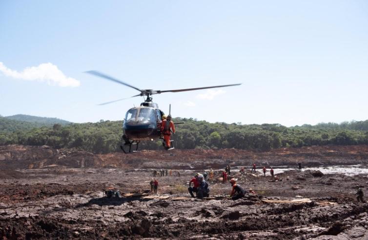 """אנשי יחידת החילוץ הישראלית באסון הסכר בברזיל. צילום דובר צה""""ל"""