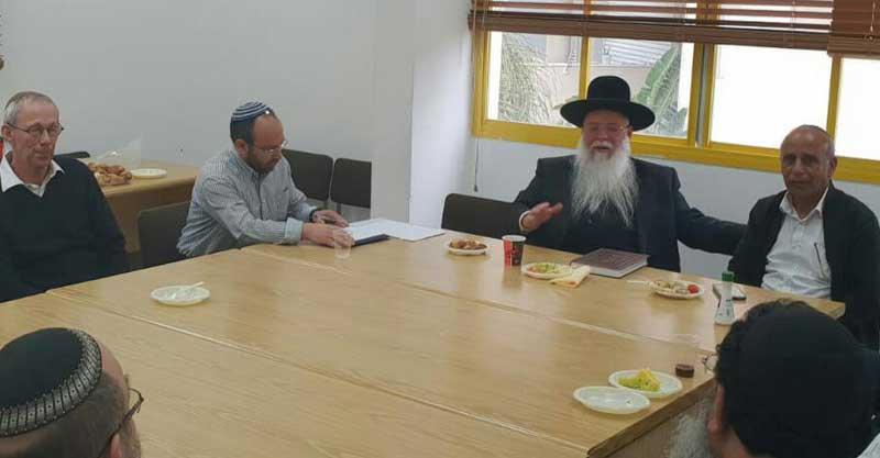 הרב מלכא בישיבה המועצה הדתית הרצליה השבוע