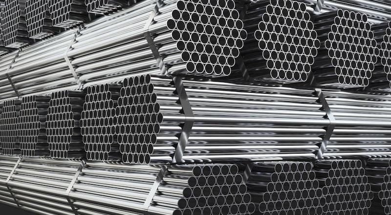 ייצור וחיתוך ברזל בשרון. תמונה ממאגר Shutterstock