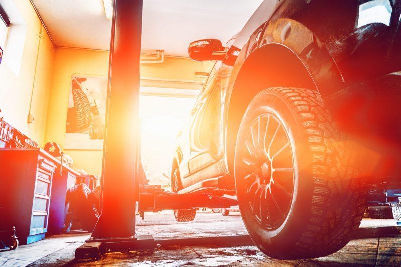 מוסכים בהרצליה. תמונה ממאגר Shutterstock