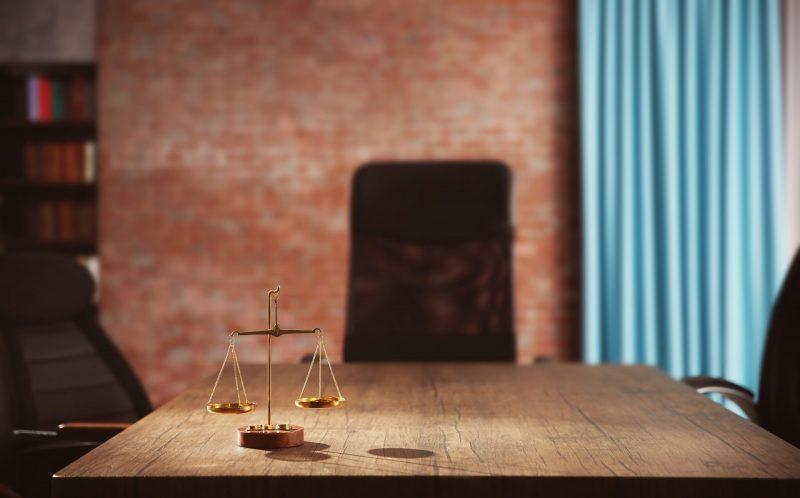עורכי דין במרכז. תמונה ממאגר Shutterstock