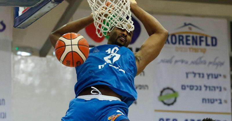 בוגדן בלזיניוק. צילום: אלן שיבר, באדיבות מנהלת הליגה בכדורסל