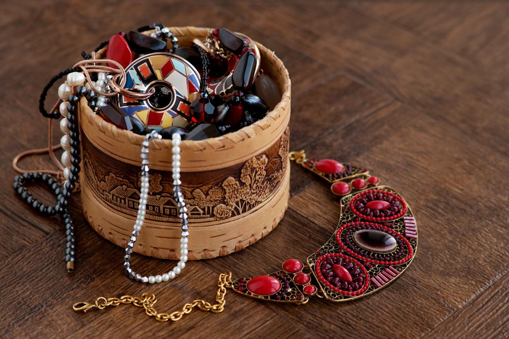 חנויות תכשיטים בתל אביב ( Shutterstock) צילום: Evgeniya369