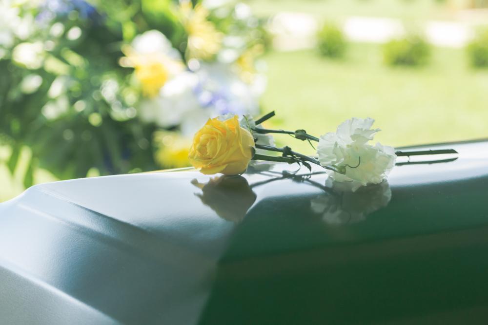 קבורה אזרחית במרכז. (Shutterstock) צילום: Kameron Bond