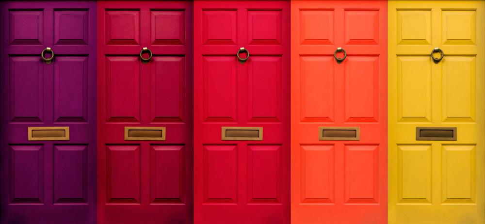 דלתות פנים מעוצבות (תמונה ממאגר shutterstock, צילום: Paul Vowles)