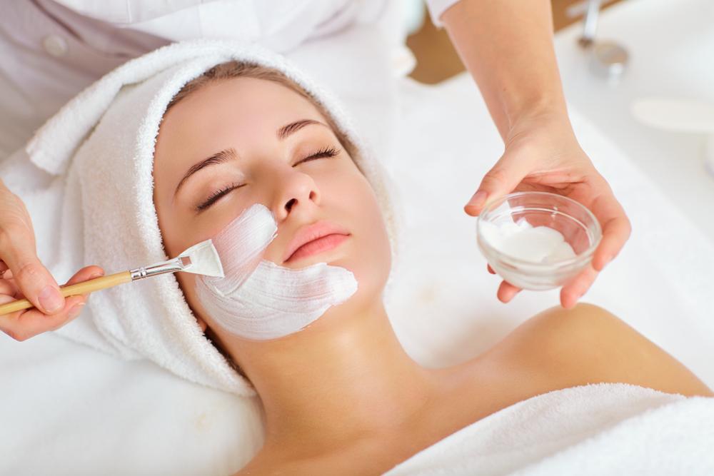 טיפול בעור פנים יבש בהרצליה (Shutterstock) צילום: Studio Romantic