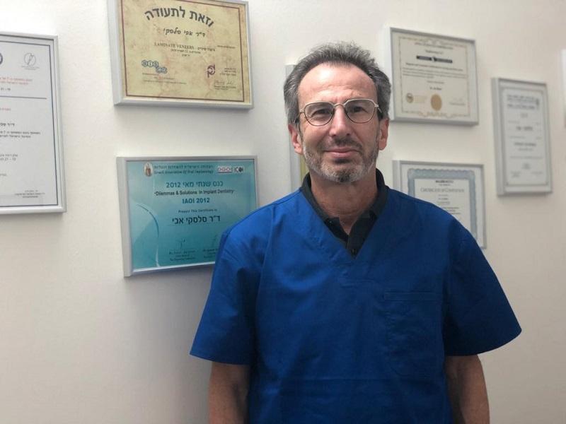"""ד""""ר אבי סלסקי: חלק בלתי נפרד מחיי המטופל. צילום עצמי"""