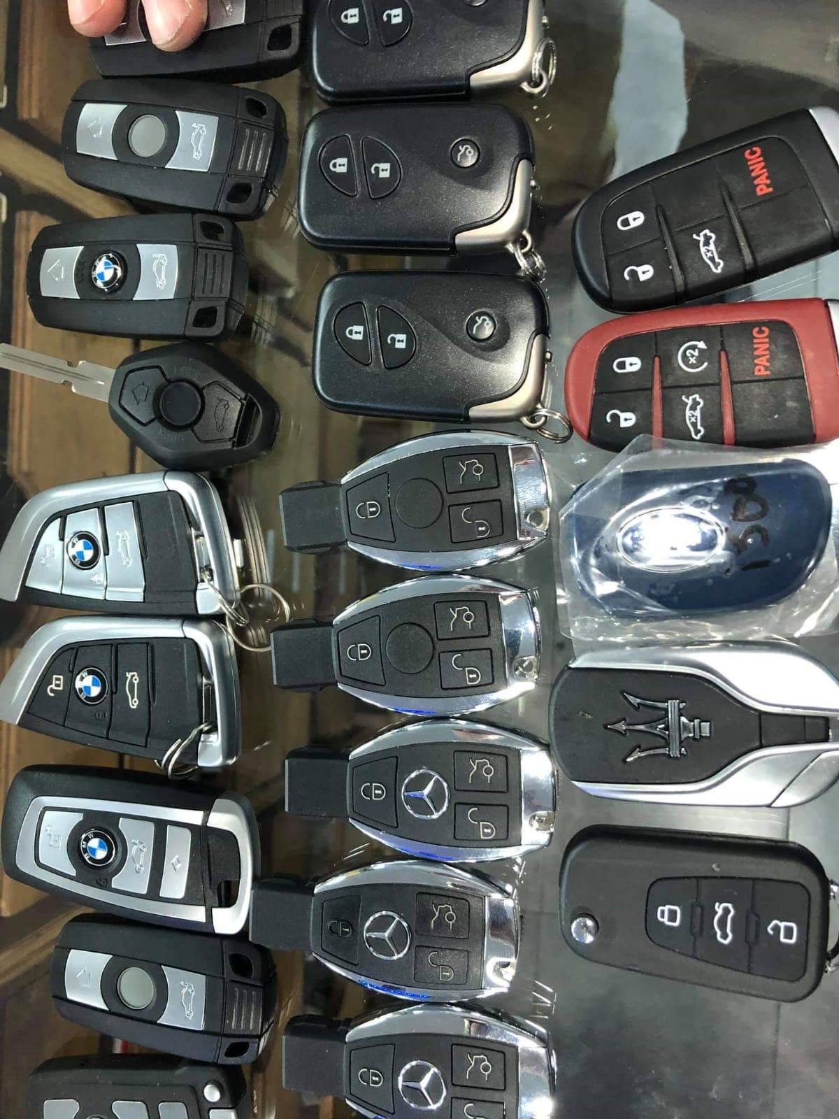 אדיר שירותי רכב, כל סוגי המפתחות תמיד במלאי. צילום עצמי