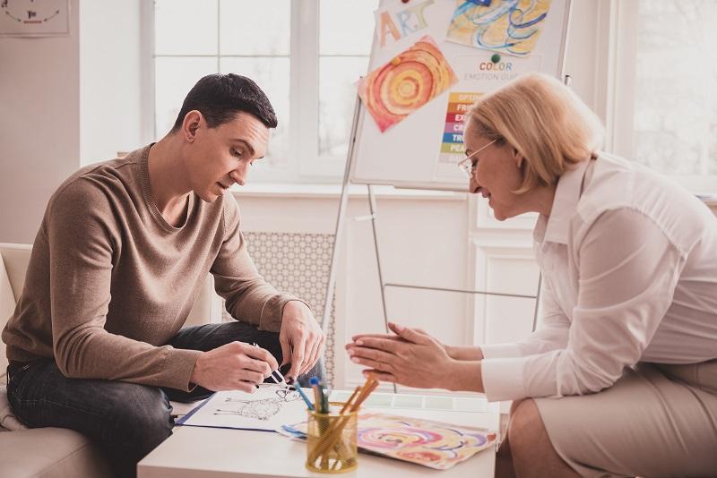טיפול באומנות: הכירו את המובילים בתחום. צילום: Dmytro Zinkevych, Shutterstock