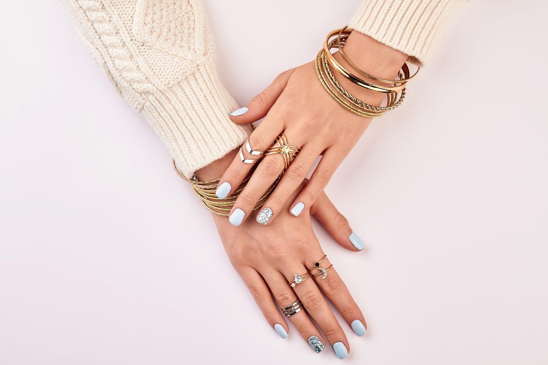מעצבי תכשיטים. (Shutterstock) צילום: margostock
