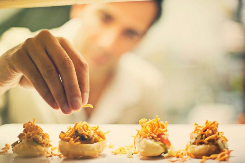 התמחות במטבח ההודי הדרומי. צילום: Tim Johnson