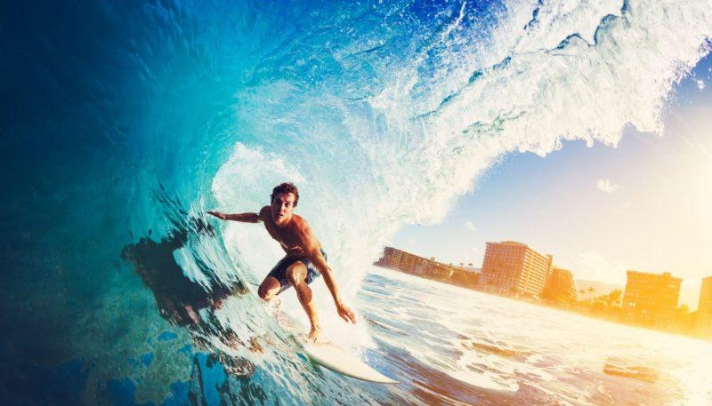 קורסי גלישה (צילום: EpicStockMedia, Shutterstock)