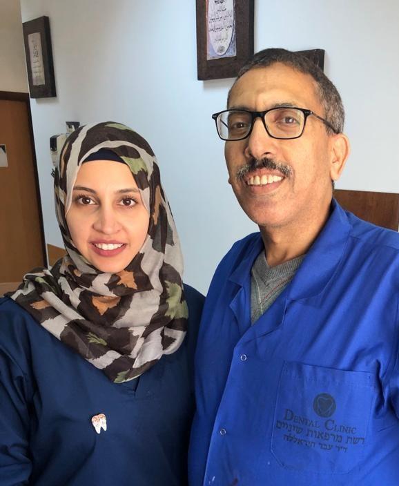רופאים מומחים מכל התחומים. מימין: ד״ר עבד ובנאן חיראללה (צילום: דנטל קליניק)