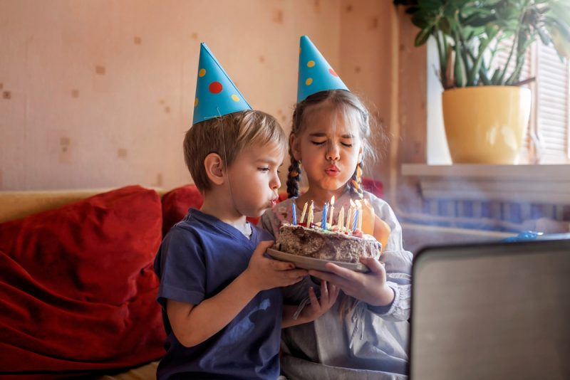 הפעלות לילדים בימי הקורונה: הכירו את 'לרקוד עם יפעתי' לחגיגה מושלמת. צילום: Maria Symchych, Shutterstock