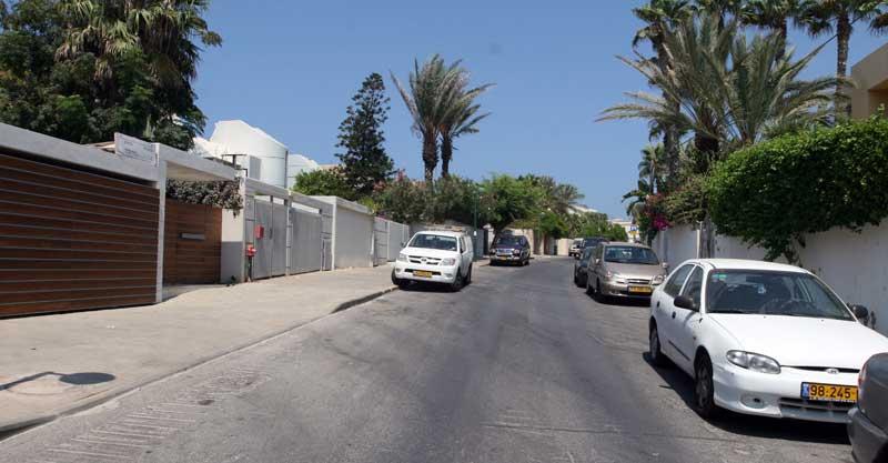 רחוב גלי תכלת. צילום עזרא לוי